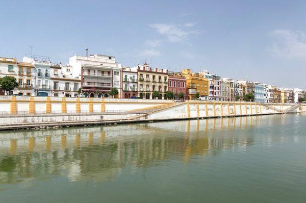 De wijk Triana tijdens je bezoek aan Sevilla