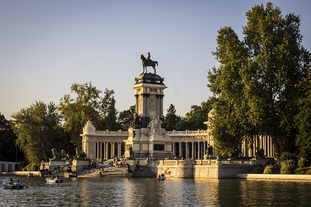 The 7 best places to visit in Madrid Retiro Park