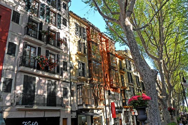 Palma de mallorca buildings in the street