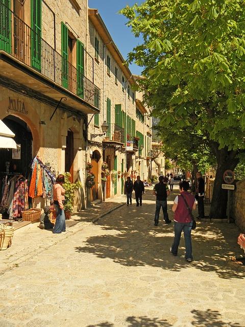 street with shops in Palma de Mallorca