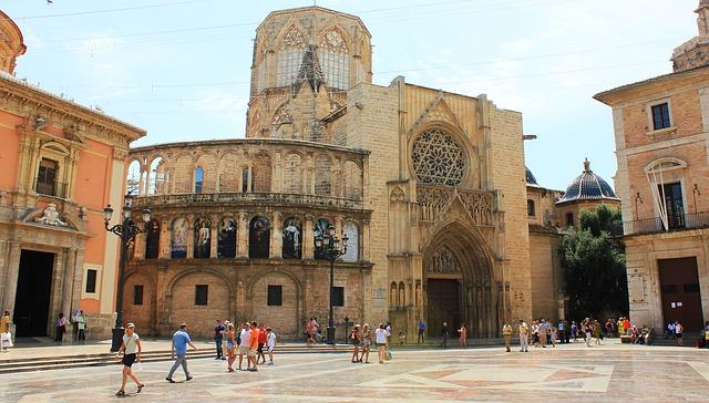 Catedral de Santa Maria in Valencia sightseeing
