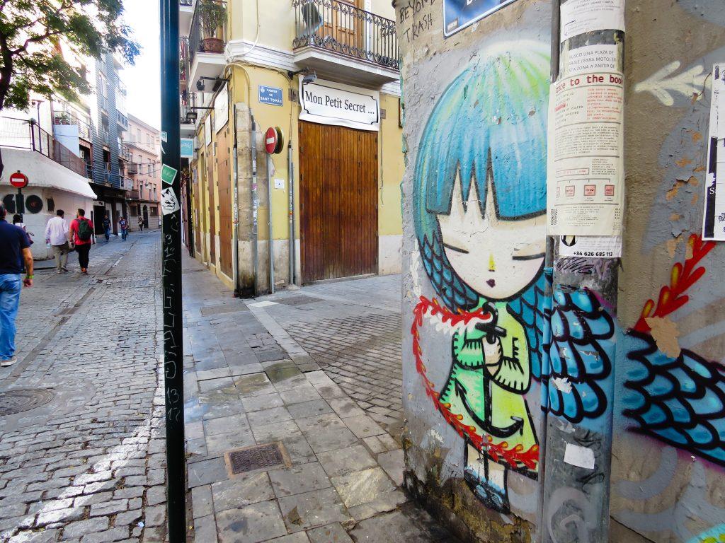 Discover street art in Valencia