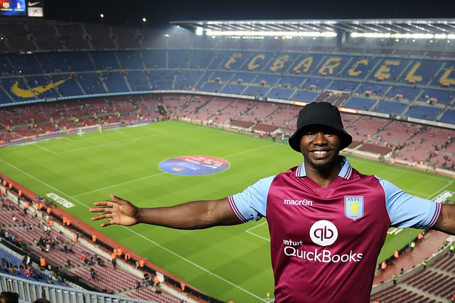 camp nou stadium fan
